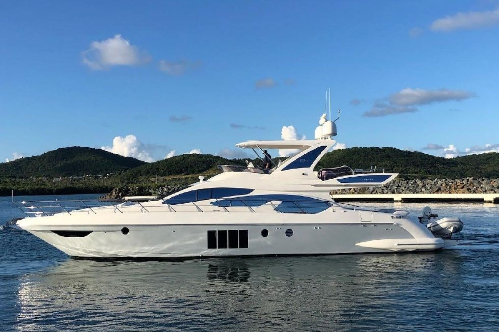 2013 Azimut 64'   | Picture 3 of 48