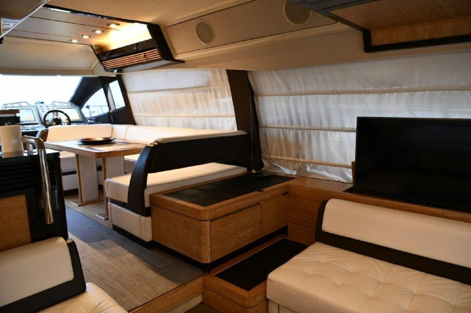 2013 Azimut 64'   | Picture 4 of 48