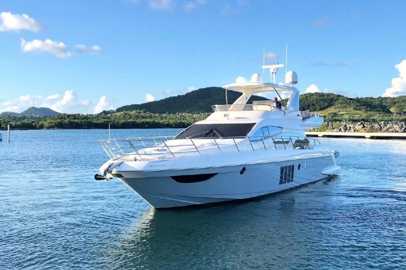 2013 Azimut 64'     Picture 5 of 48