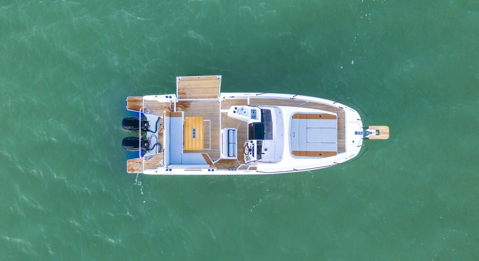 2021 Beneteau America 30' Flyer 9 Sundeck  | Picture 3 of 10