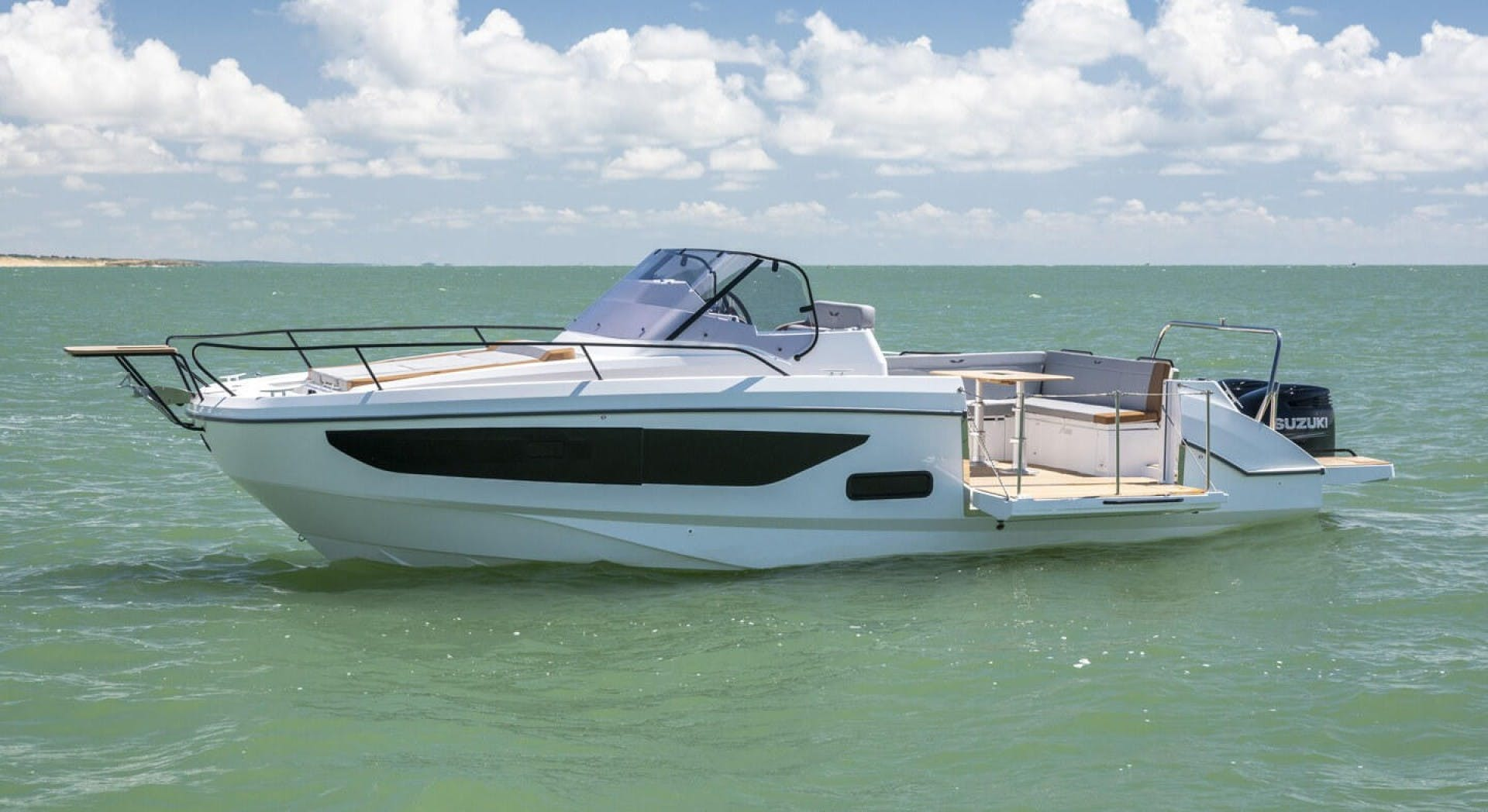 2021 Beneteau America 30' Flyer 9 Sundeck  | Picture 1 of 10