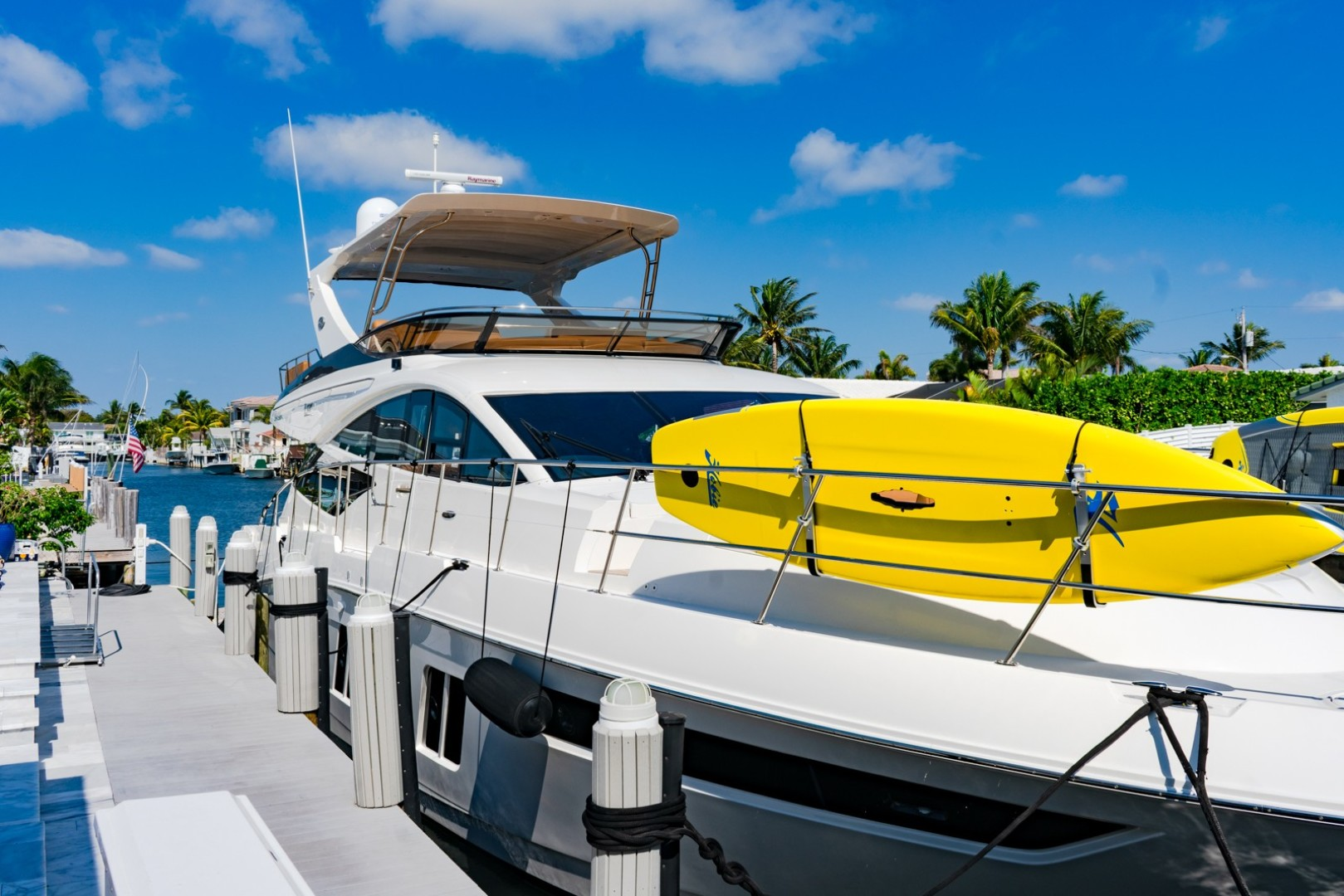 "2016 Sea Ray 65' L650 Fly ""CAPRICHO"""
