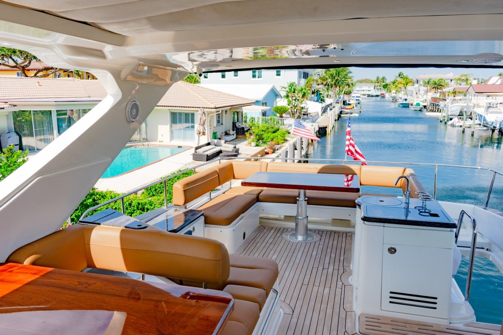 2016 Sea Ray 65' L650 Fly CAPRICHO   Picture 2 of 50