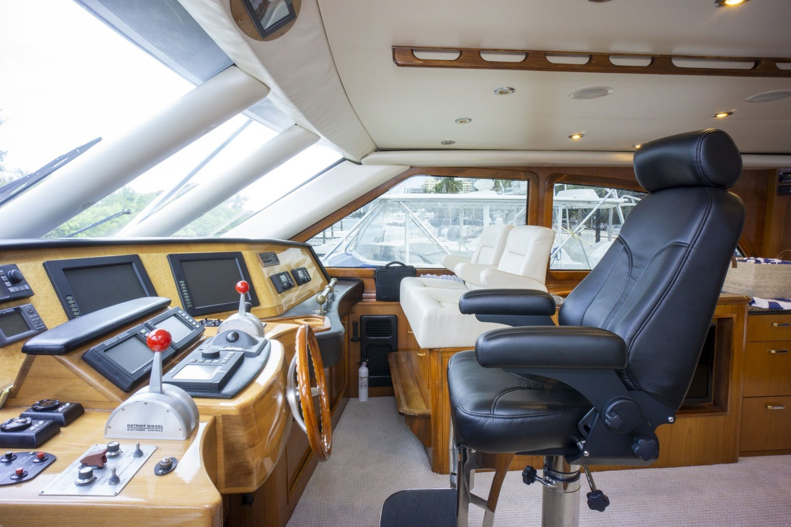 2005 Sea Force IX 81' Enclosed Flybridge Reel Deal | Picture 6 of 72