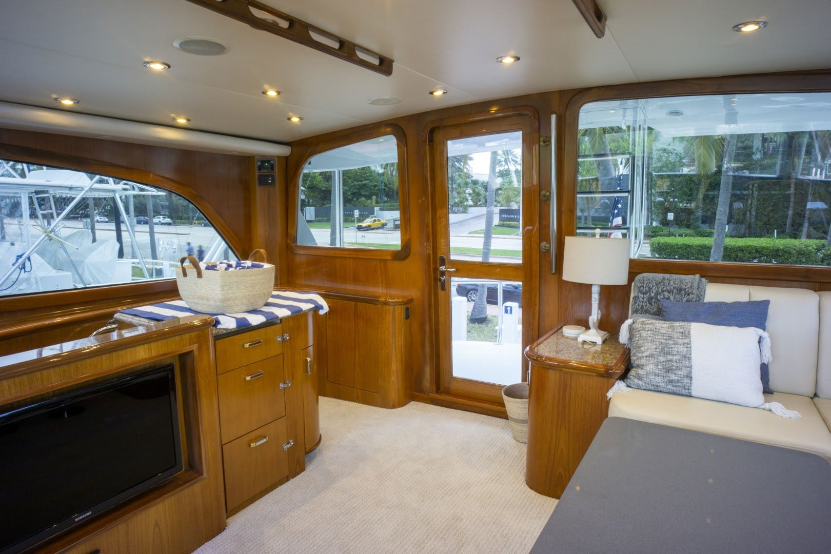 2005 Sea Force IX 81' Enclosed Flybridge Reel Deal | Picture 7 of 72