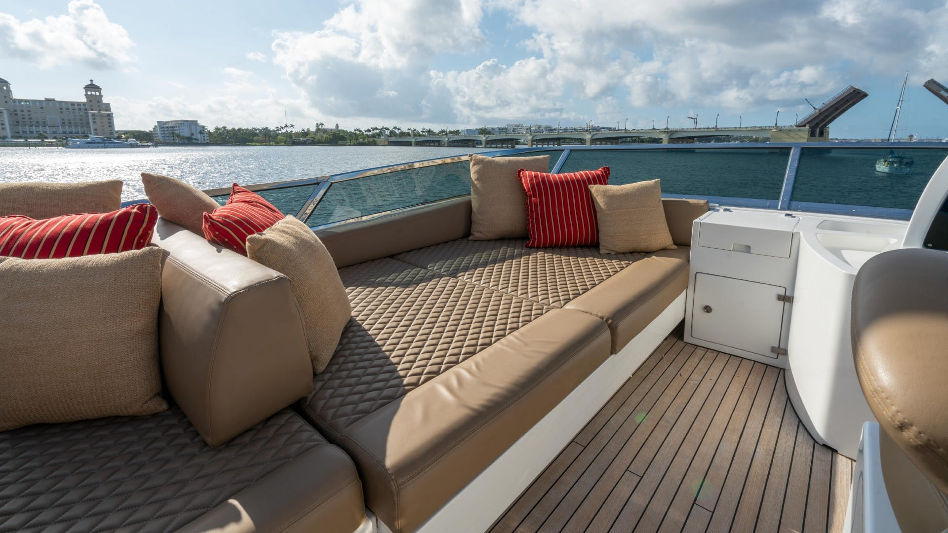 2014 Azimut 84' Flybridge PHOENIX | Picture 1 of 141