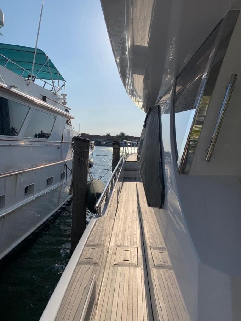 2018 Azimut 72' Flybridge Amalfi | Picture 8 of 182