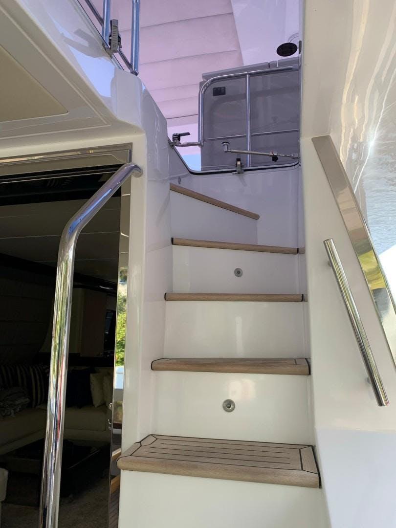 2018 Azimut 72' Flybridge Amalfi   Picture 6 of 152
