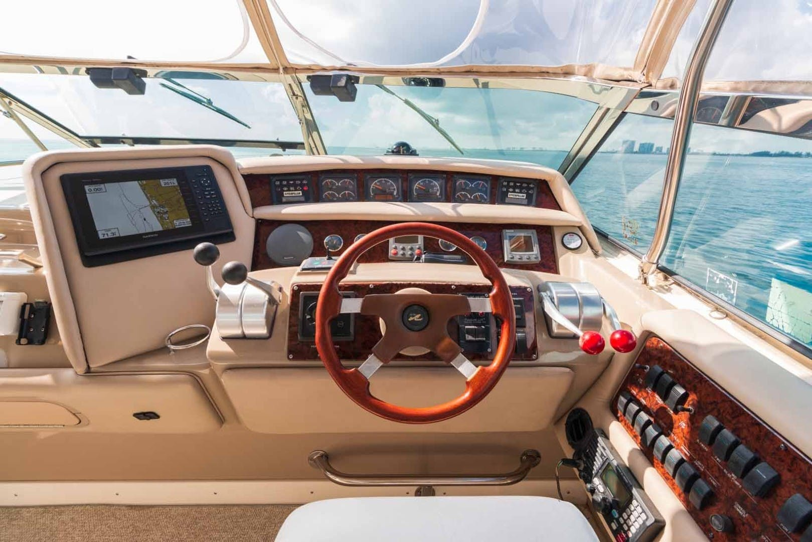 1999 Sea Ray 63' Super Sun Sport DAPHNE EXPRESS | Picture 1 of 44