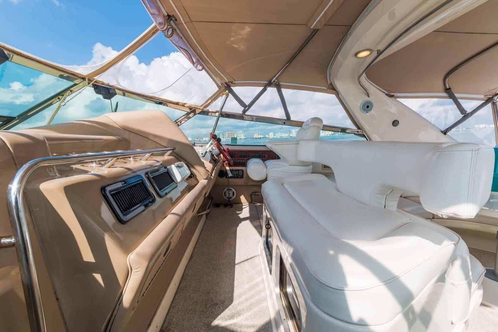 1999 Sea Ray 63' Super Sun Sport DAPHNE EXPRESS | Picture 6 of 44