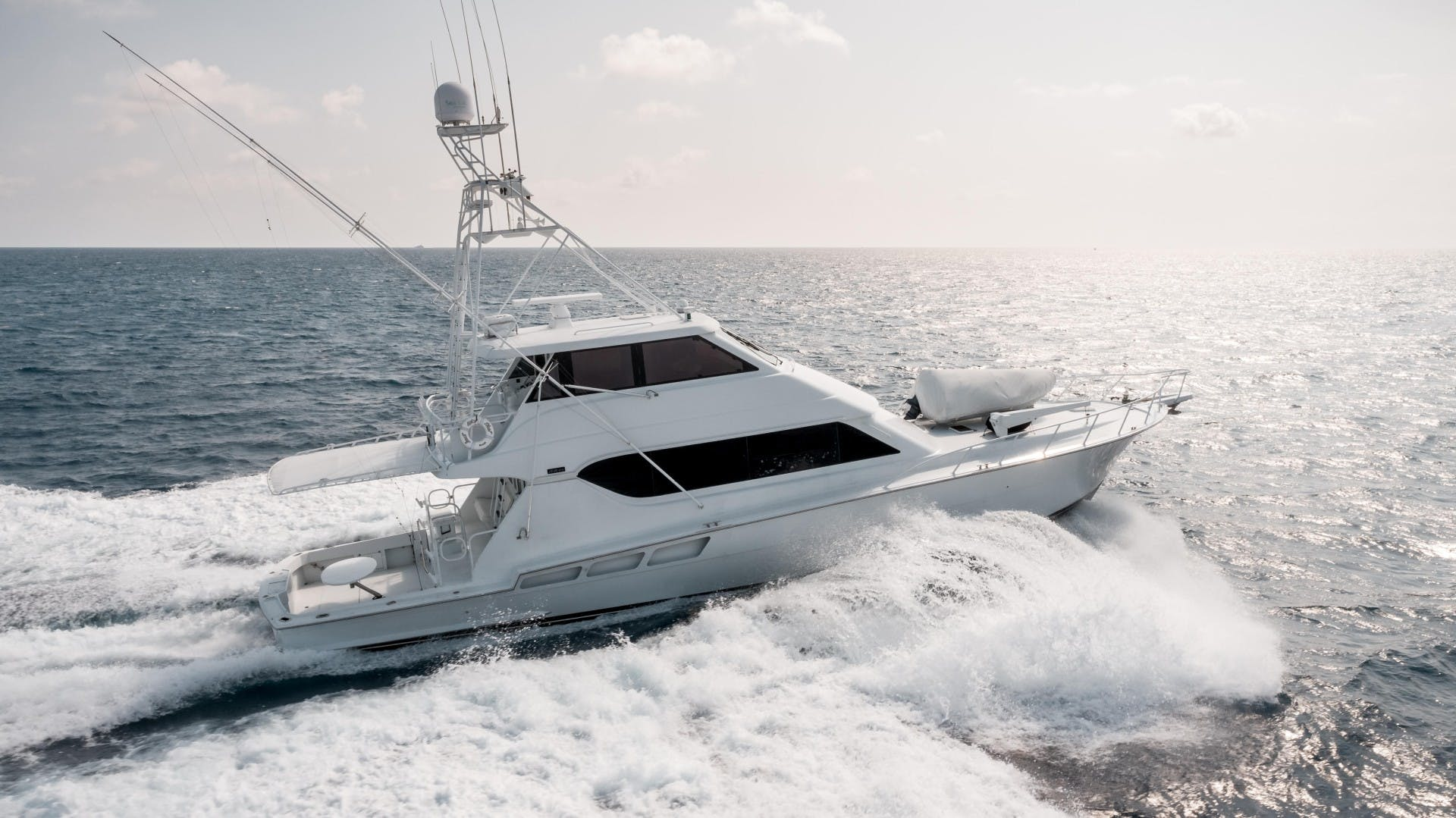 1999 Hatteras 70' Sportfish JUST LIKE THAT | Picture 4 of 68