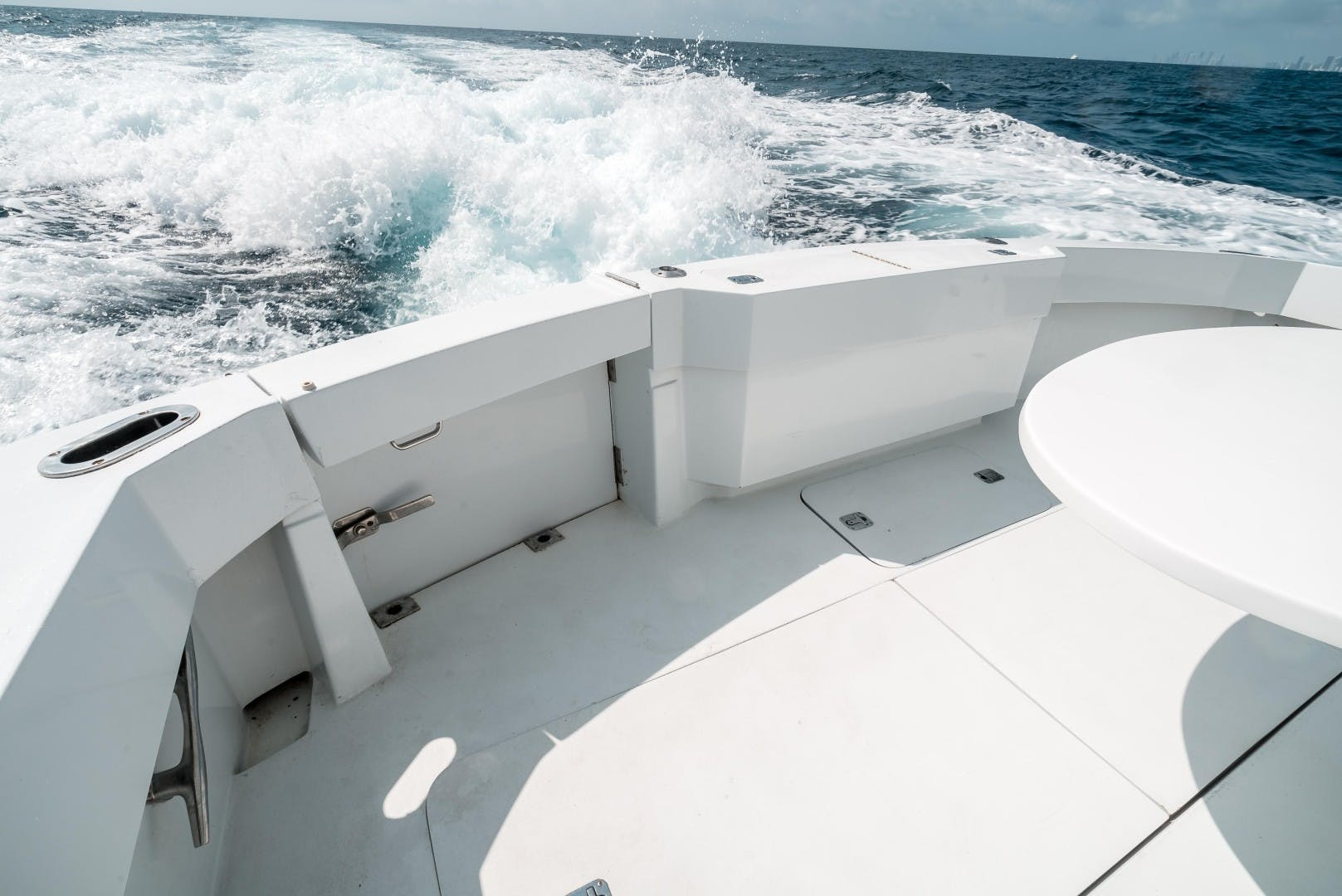 1999 Hatteras 70' Sportfish JUST LIKE THAT | Picture 8 of 68