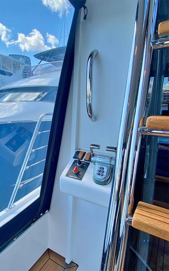 2004 Pacific Mariner 70' 65 Diamond TIGER LILLI NAME RESERVED | Picture 1 of 51