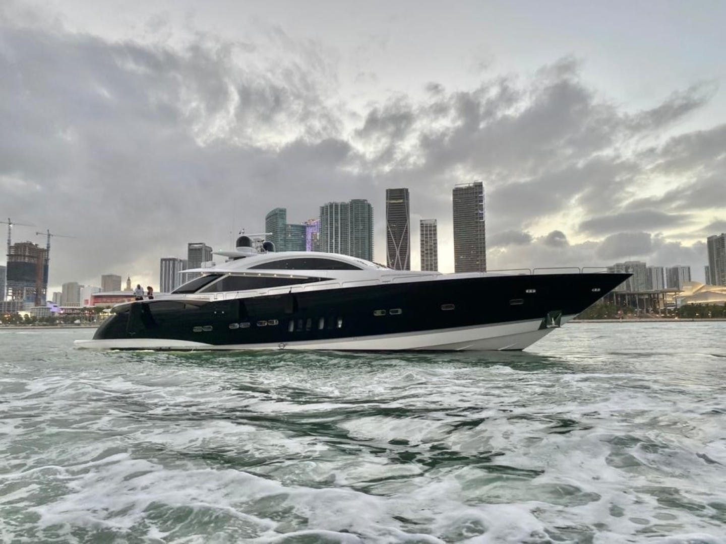 2008 Sunseeker 108' Predator Sky Fall | Picture 6 of 53