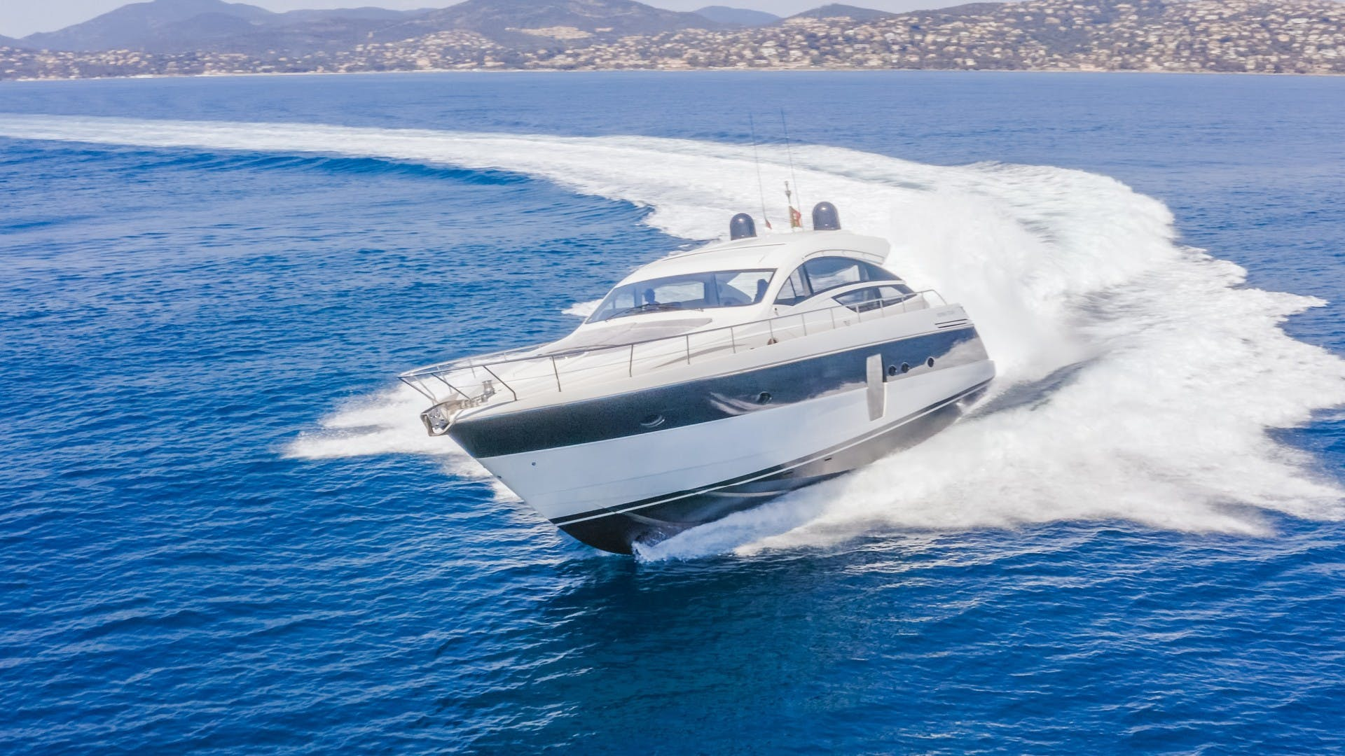 2009 Pershing 64' 64 FIRST LADY   Picture 2 of 40