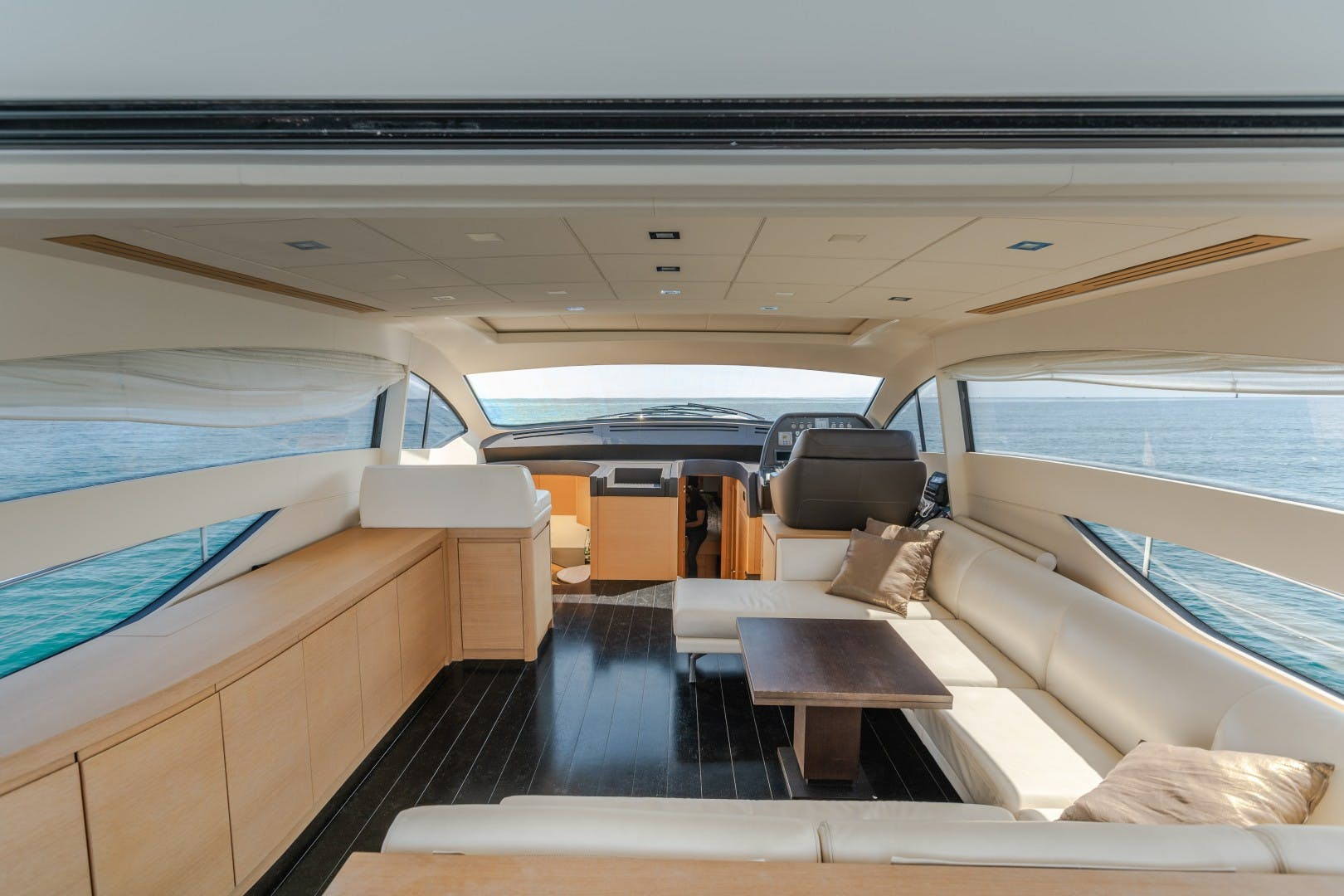 2009 Pershing 64' 64 FIRST LADY | Picture 6 of 19