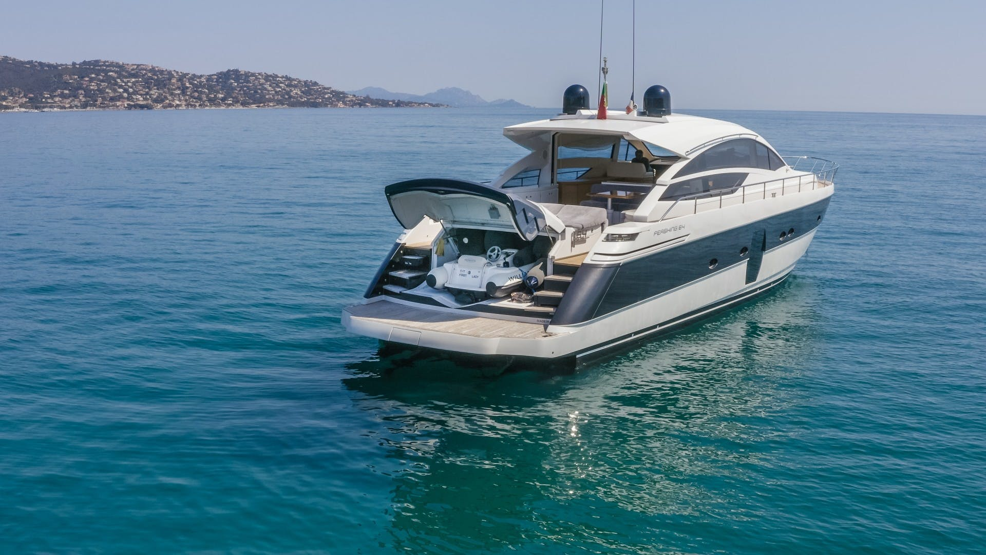 2009 Pershing 64' 64 FIRST LADY   Picture 1 of 40