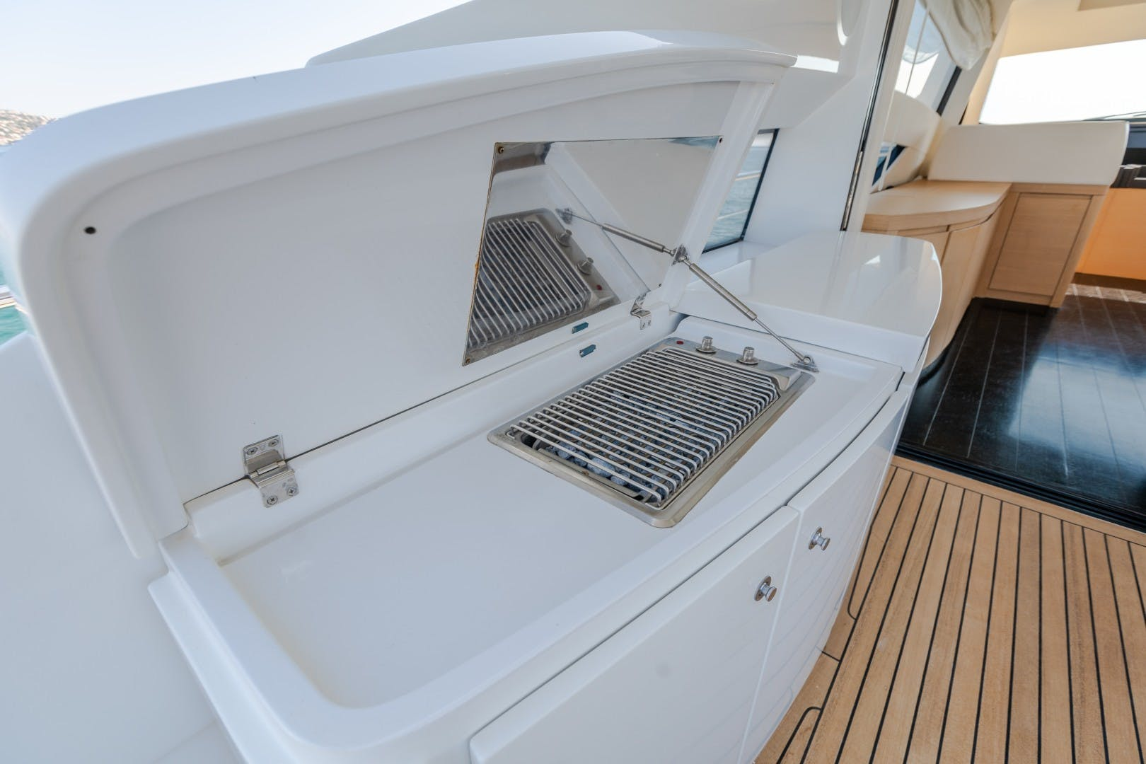 2009 Pershing 64' 64 FIRST LADY   Picture 5 of 40