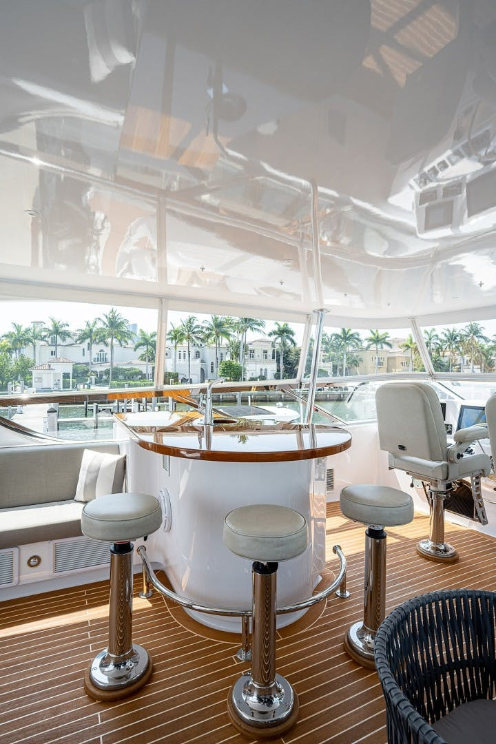 2015 Hatteras 80' Motor Yacht DADDY   Picture 8 of 47