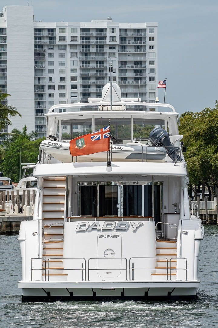 2015 Hatteras 80' Motor Yacht DADDY   Picture 7 of 47