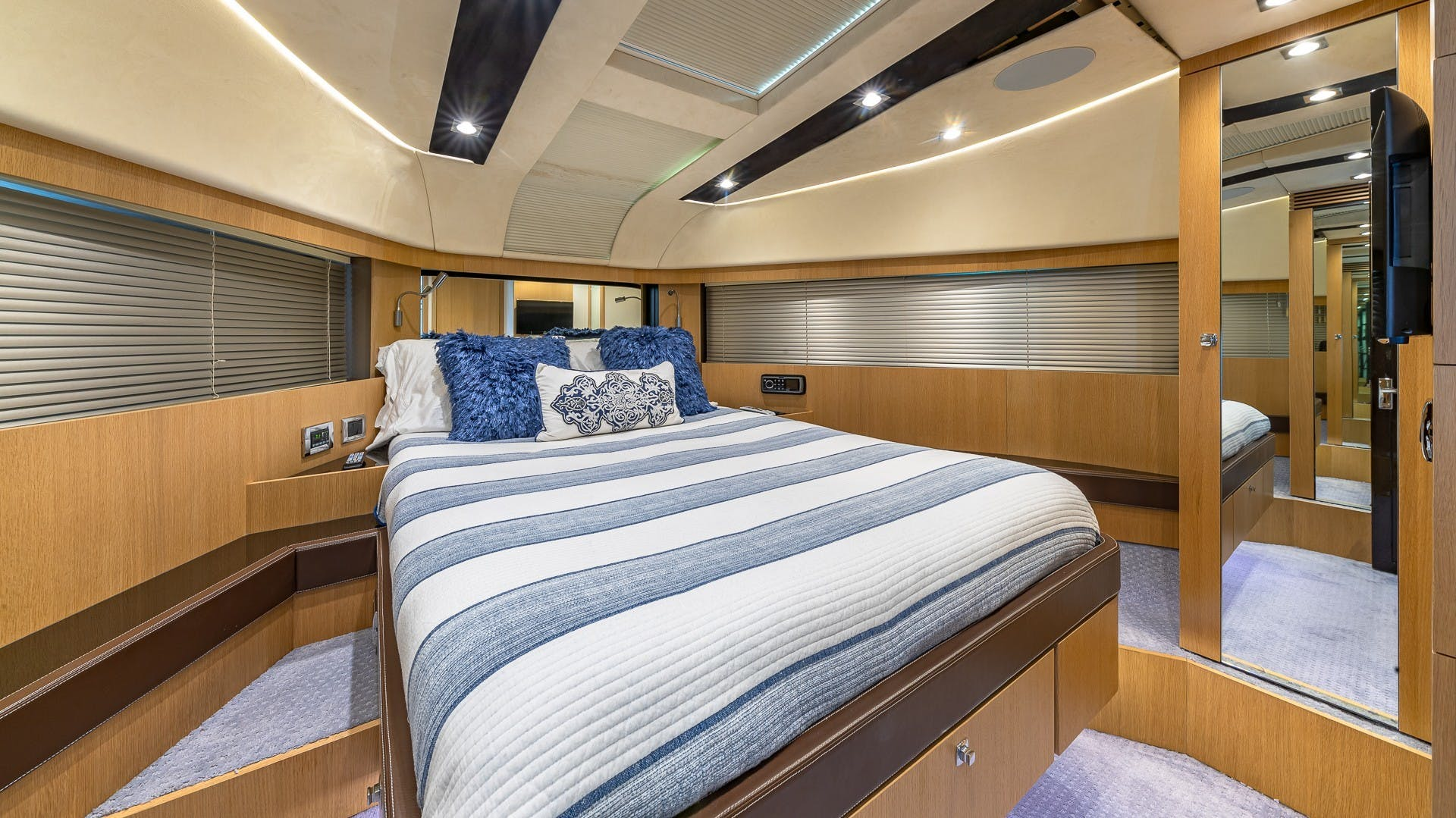 2015 Fairline 65' Squadron Blessed | Picture 8 of 61