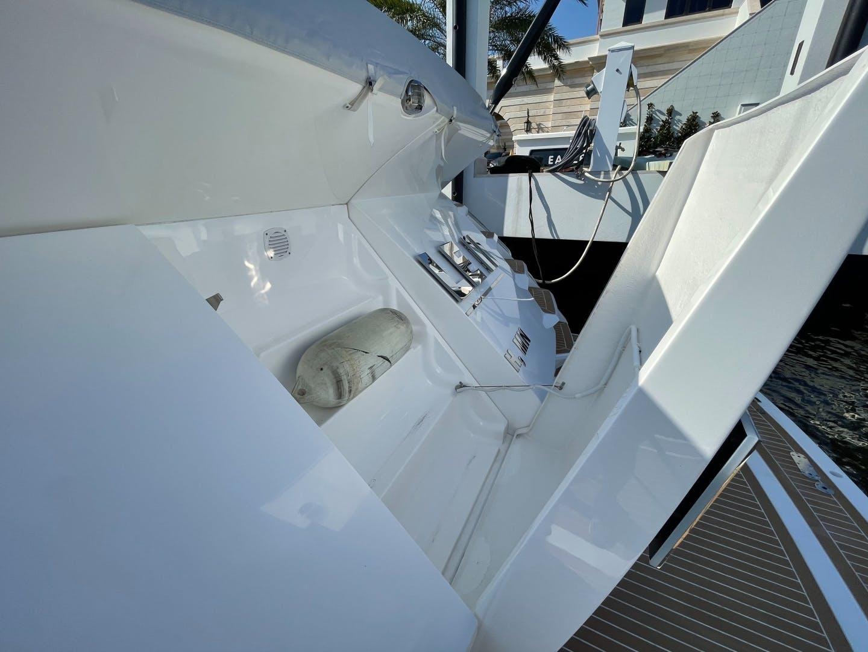 2017 Sunseeker 68' Predator Eagle II | Picture 8 of 60