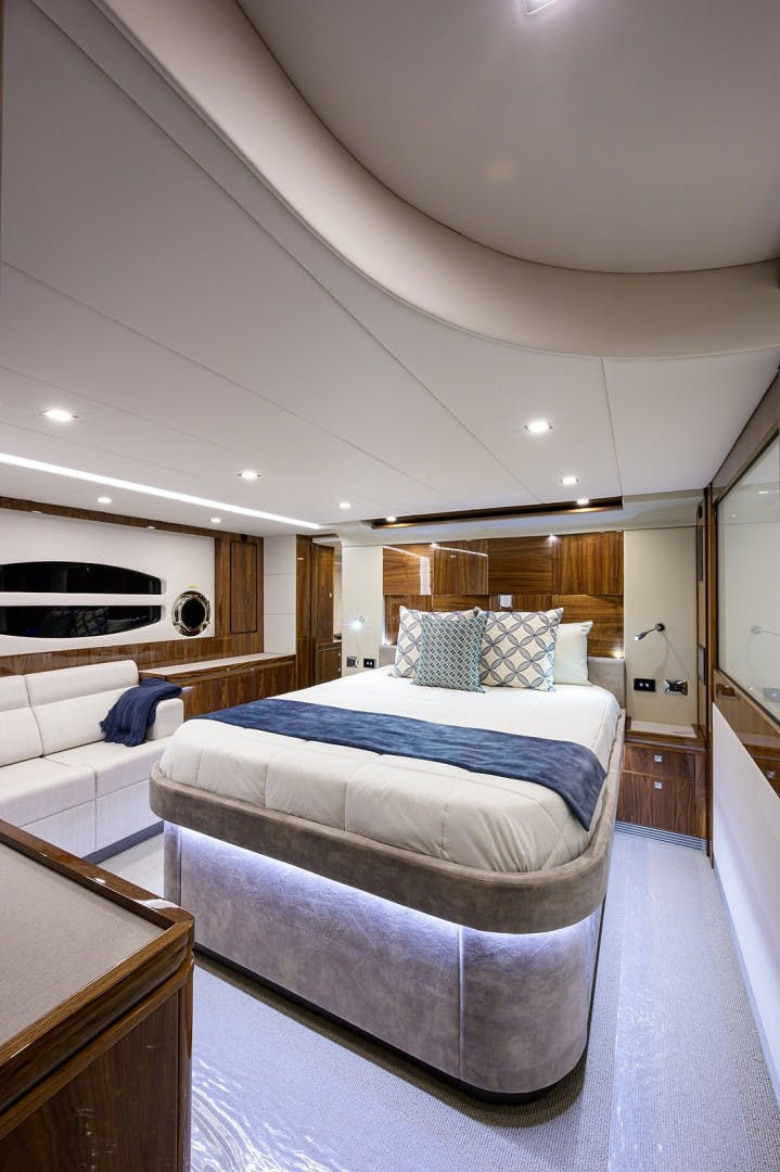 2021 Riviera 60' 6000 Sport Yacht Platinum Edition  | Picture 6 of 75