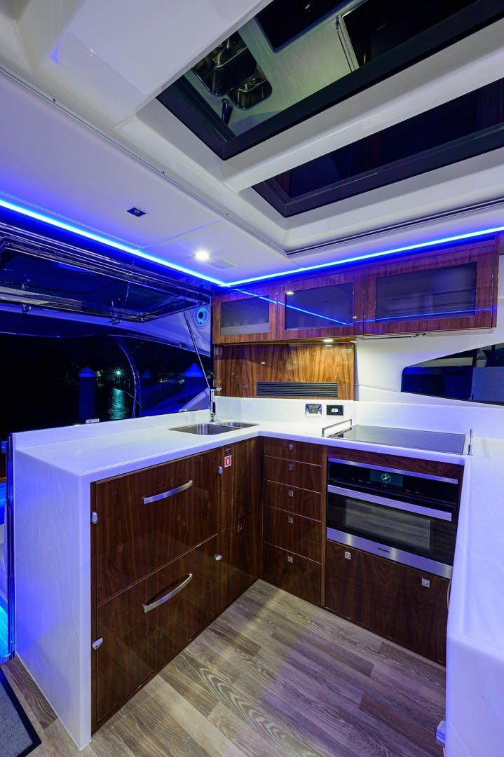 2021 Riviera 60' 6000 Sport Yacht Platinum Edition  | Picture 1 of 75