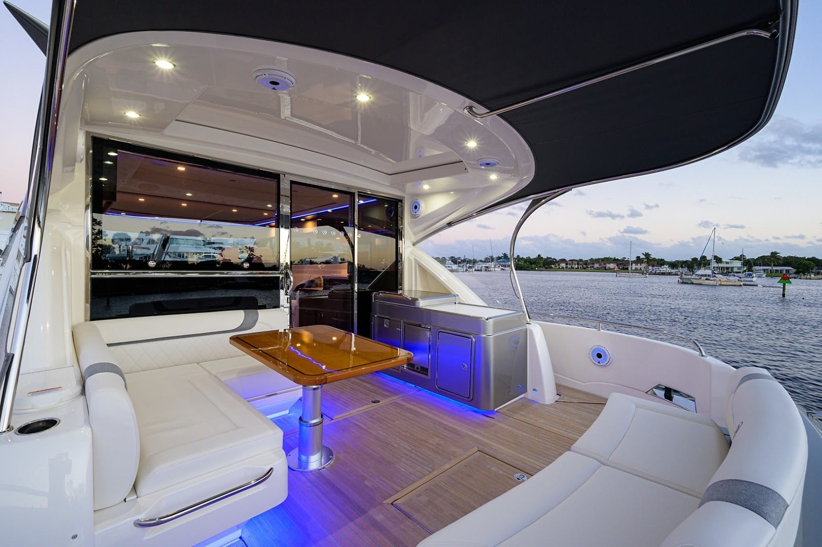 2021 Riviera 60' 6000 Sport Yacht Platinum Edition  | Picture 8 of 75