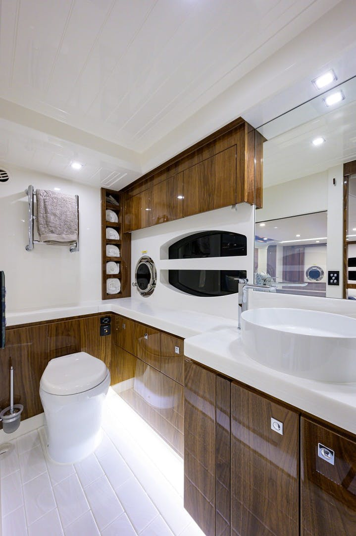 2021 Riviera 60' 6000 Sport Yacht Platinum Edition  | Picture 4 of 75