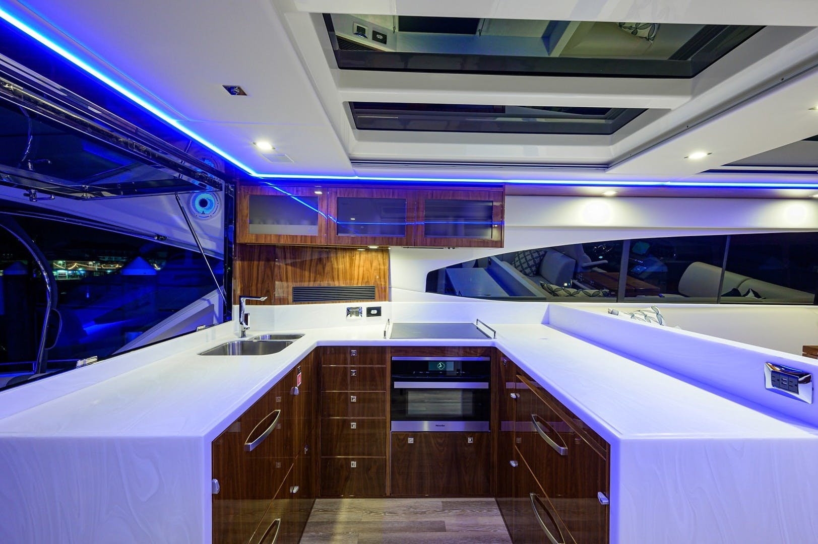 2021 Riviera 60' 6000 Sport Yacht Platinum Edition  | Picture 7 of 75