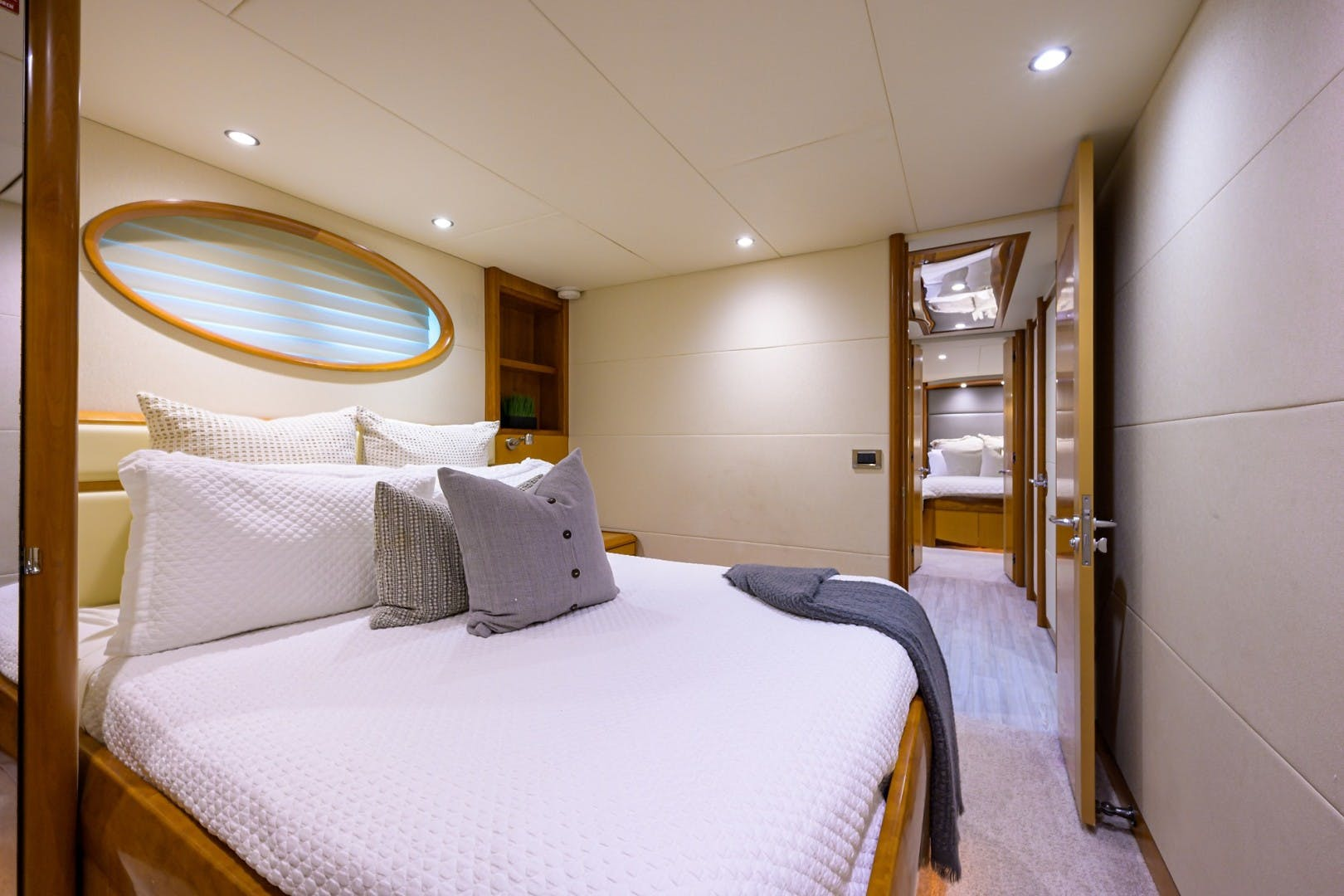 2008 Lazzara Yachts 84' Open Bridge LIVING THE DREAM | Picture 4 of 55