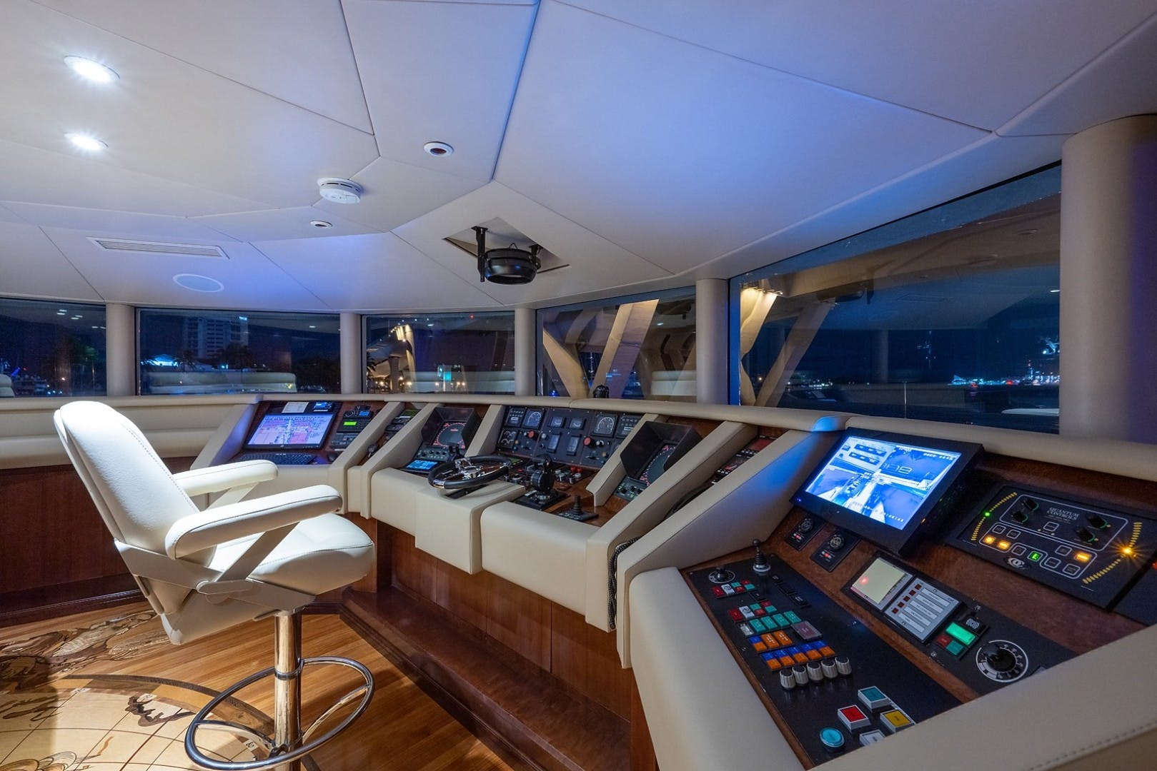 1986 Van Mill 143' Tri-Deck STARSHIP   Picture 5 of 55