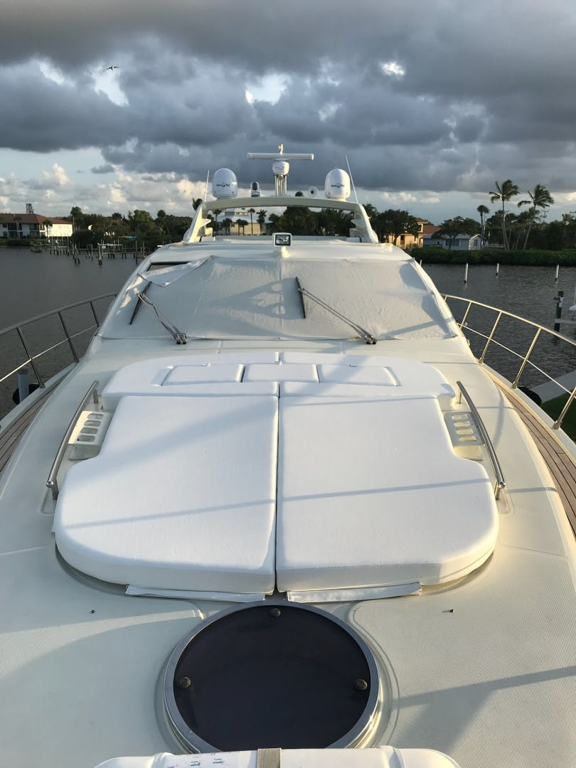 2007 Azimut 68' 68S    Picture 2 of 5