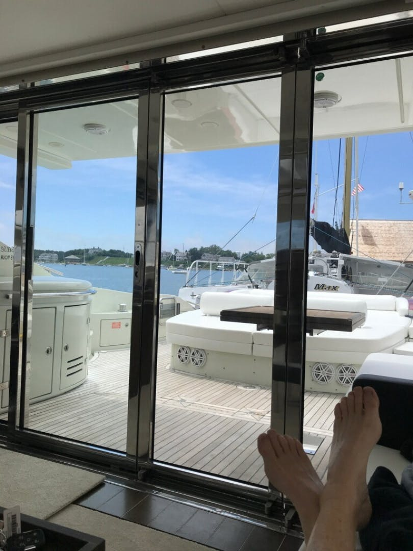 2007 Azimut 68' 68S    Picture 3 of 5