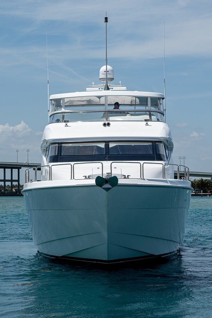 2007 Hatteras 80'  Lucy   Picture 6 of 57
