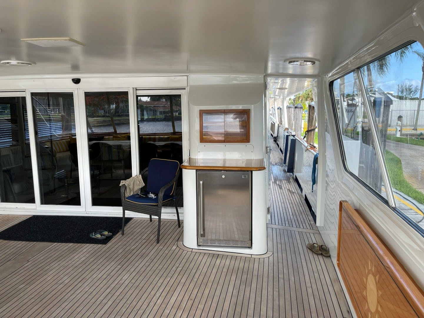 1984 Lloyds 124' Enclosed P.H w/ Sundeck SUNSHINE | Picture 2 of 46