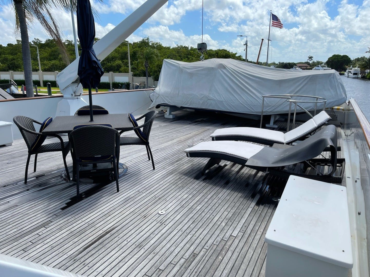 1984 Lloyds 124' Enclosed P.H w/ Sundeck SUNSHINE | Picture 3 of 46