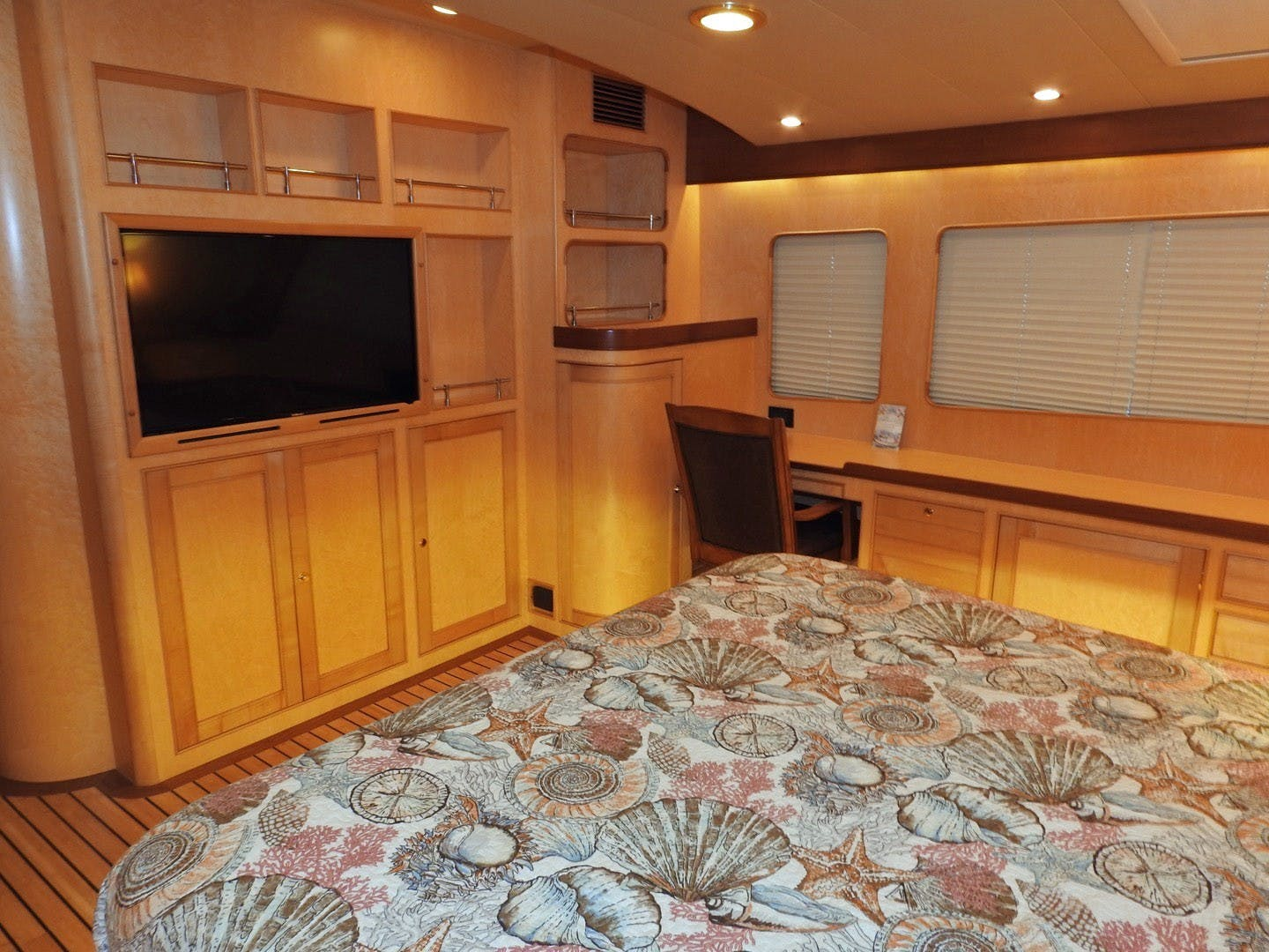 2011 Marlow 97' 97E Command Bridge Agave | Picture 6 of 36