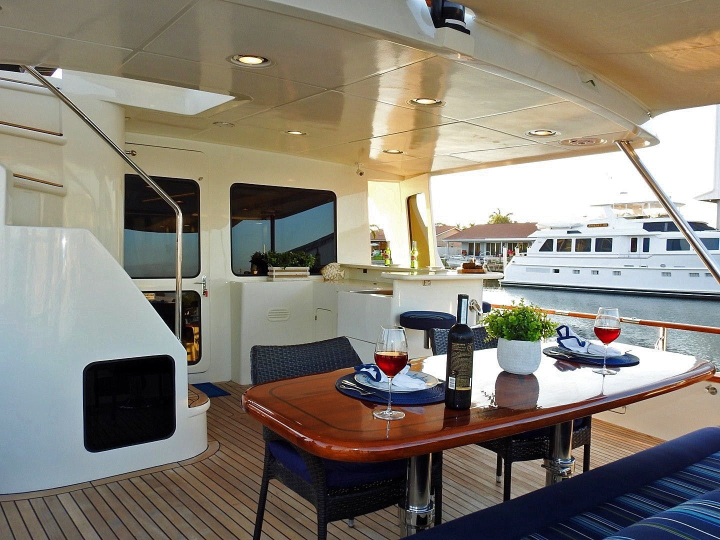 2011 Marlow 97' 97E Command Bridge Agave | Picture 5 of 36
