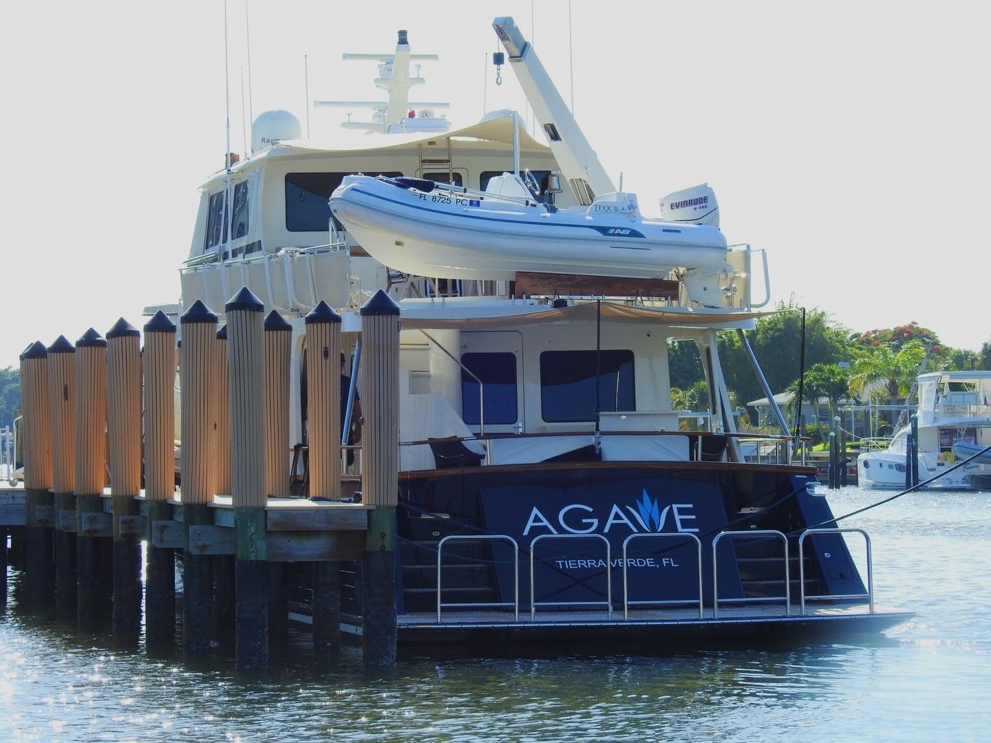 2011 Marlow 97' 97E Command Bridge Agave | Picture 4 of 36