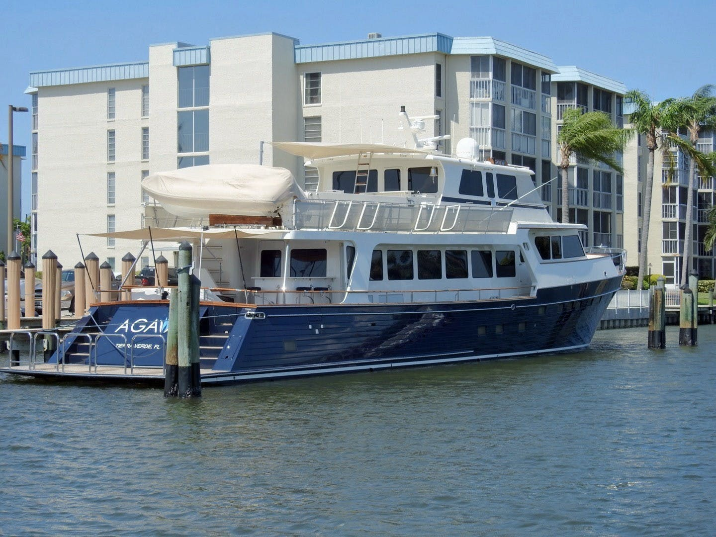 2011 Marlow 97' 97E Command Bridge Agave | Picture 2 of 36