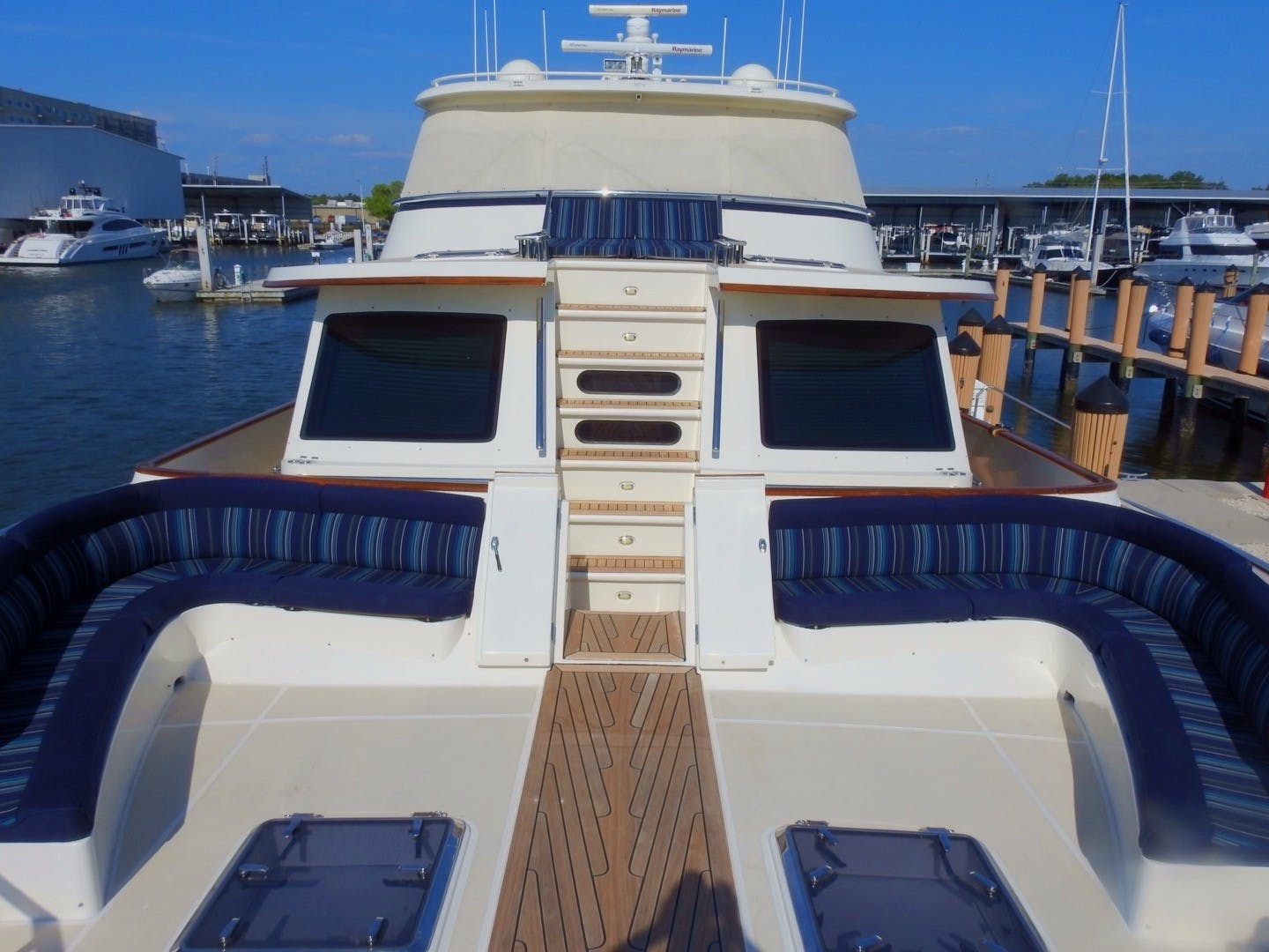 2011 Marlow 97' 97E Command Bridge Agave | Picture 8 of 36