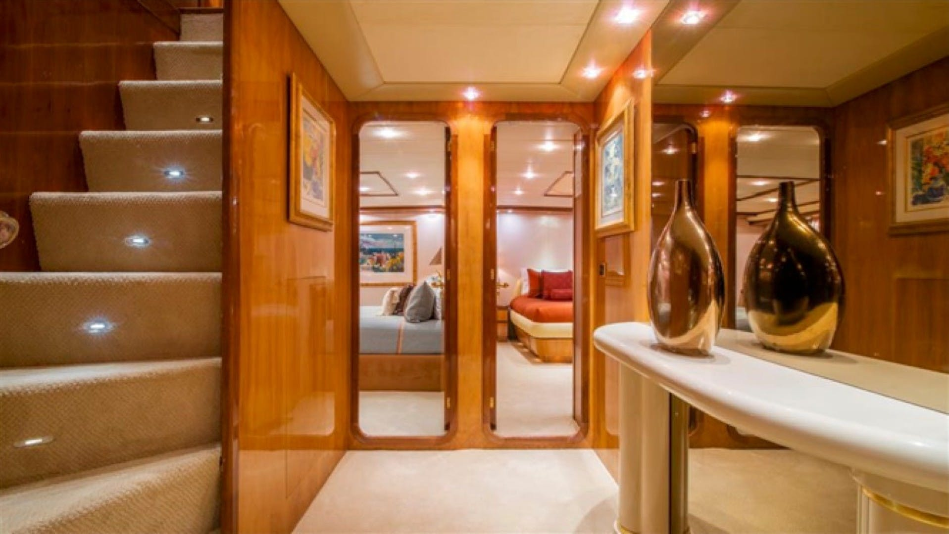 1994 Azimut 118'     Picture 2 of 20