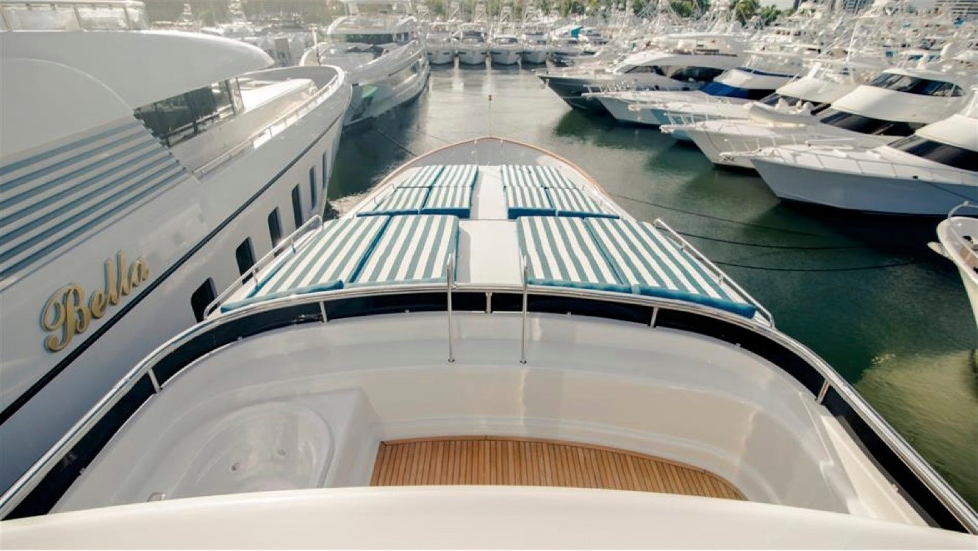 1994 Azimut 118'     Picture 3 of 20