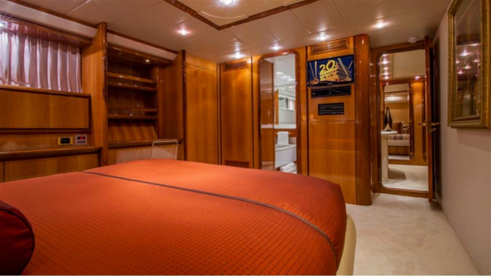 1994 Azimut 118'     Picture 6 of 20