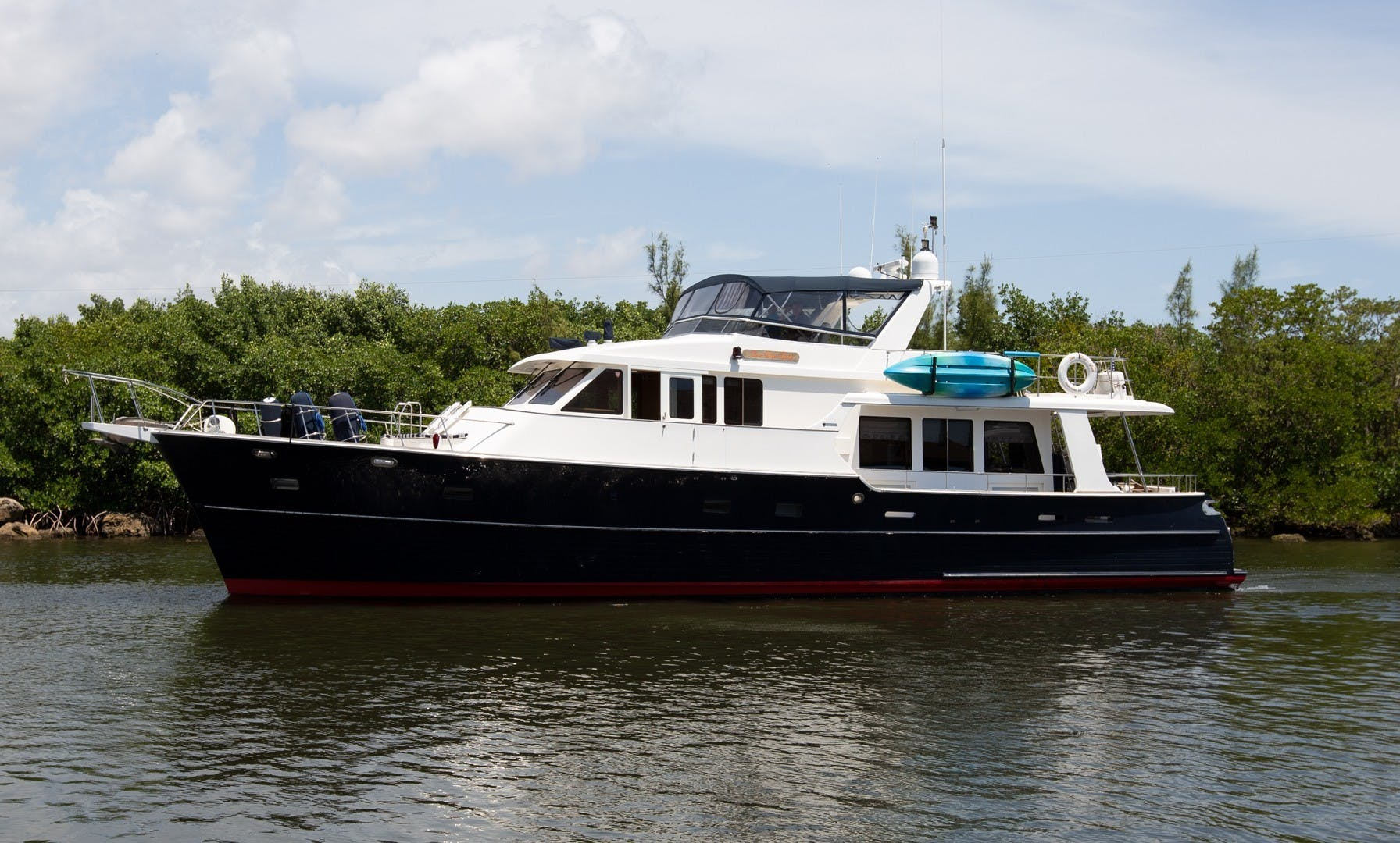 2002 Grand Banks 64' 64 Aleutian RP Name Reserved   Picture 2 of 67