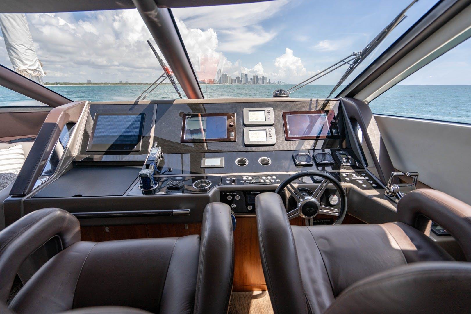 2015 Sunseeker 75'  VOV | Picture 1 of 62
