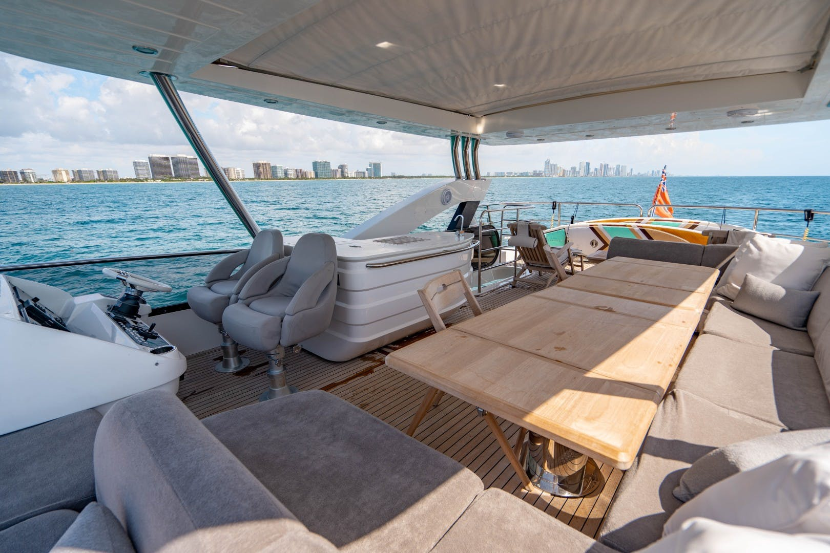 2015 Sunseeker 75'  VOV | Picture 7 of 62