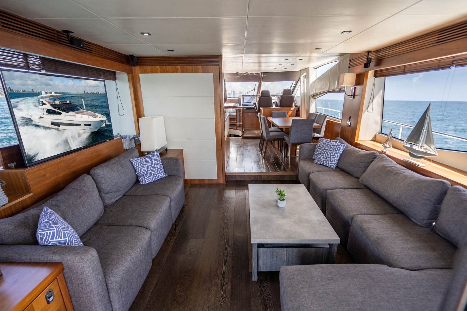 2015 Sunseeker 75'  VOV | Picture 2 of 62